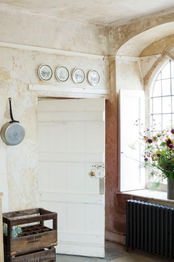 Hauser-Wirth-Somerset-Farmhouse-interior-21