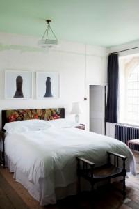 Hauser-Wirth-Somerset-Fbed-armhouse-interior-8-200x300