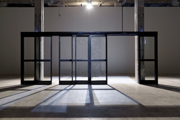 philippe-parreno_palais-de-tokyo_anywhere-anywhere-out-of-the-world_exhibition-view3