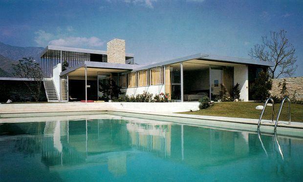 02.02_Neutra_Richard,_Kaufmann_House,_gezicht_vanaf_zwembad_1946-47