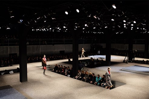 In another collaboration with Prada, architect Rem Koolhass and the Office Of Metropolitan Architecture (OMA) create an atmospheric theatrical fashion runway. See more here - http://www.oma.eu/projects/2014/prada-catwalk-fallwinter-2014